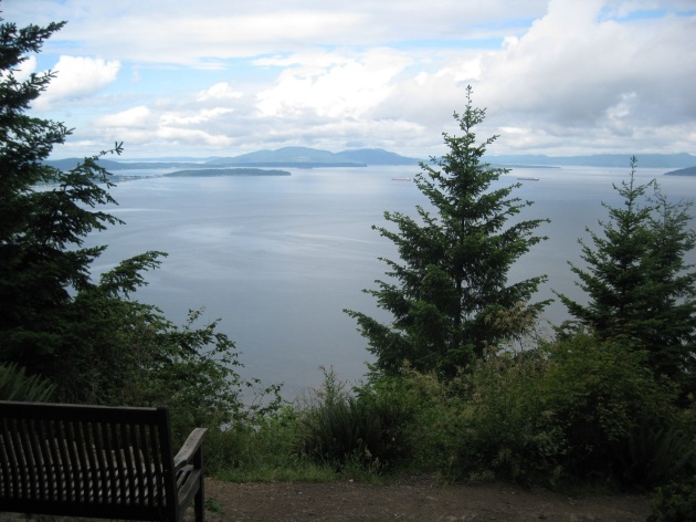 Obligatory scenic photo from early in the hike.  If somebody lugged a bench up that trail, you -must- take a photo there.